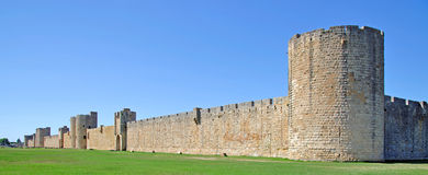 Murs de ville, Aigues-Mortes, Camargue, France Photos stock