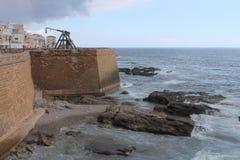 Murs de ville de catapulte, de Bastione et de couronne d'Alghero Italie Sardaigne photographie stock libre de droits