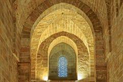 Murs en pierre et voûtes et une fenêtre - Palerme Photographie stock libre de droits