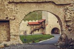 Murs enrichis par citadelle de Rupea Photo libre de droits