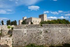 Murs médiévaux de forteresse de Rhodes, Grèce Images stock