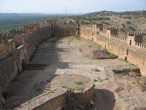 Murs magnifiques de château en La Encina, Espagne de Baños De photo stock