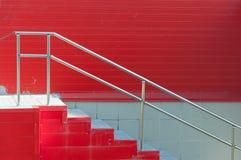 Murs rouges de grand marché, porte arrière Images stock