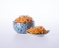 murukku lub tradycyjna indyjska przekąska na tle Zdjęcia Stock