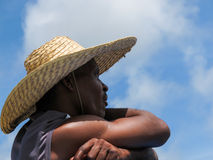 Murzyn z słomianym kapeluszem Zdjęcia Royalty Free
