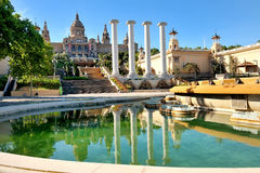 Musée d'Art et fontaine nationaux, Placa de Espanya, Barcelone, Espagne Photos stock