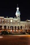 Musée de centrale à Tampa la nuit Image stock