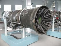 Musée de l'histoire du bâtiment de moteur d'avions Moteurs d'avions sur des supports Moteurs et moteurs à combustion interne de t Image libre de droits