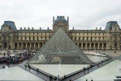 Musée de Louvre à Paris images stock