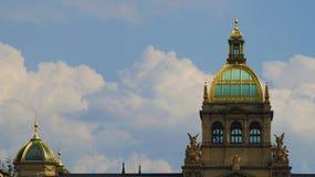 Musée de Narodni de dômes sur Wenceslas Square à Prague photo stock