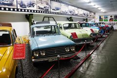 Musée de phaéton des voitures URSS et Etats-Unis de cru image libre de droits