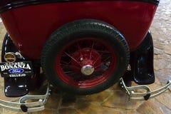 Musée de phaéton des voitures URSS et Etats-Unis de cru photographie stock