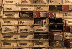Musée des chiffres de cire à Barcelone sur le Las Ramblas de rue La conception du vol du dépôt de banque pendant les jours de la  Photos stock