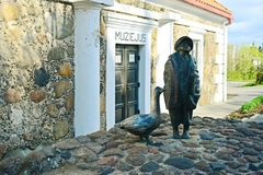 Musée historique dans la ville de Kupiskis à l'heure le printemps Photographie stock libre de droits
