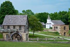Musée vivant d'histoire de crique de banc de ville de moulin à eau image libre de droits