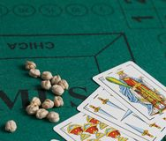 Mus é um jogo de cartas espanhol fotos de stock