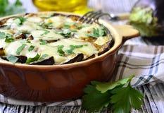 Musaka - traditionell maträtt av grekisk kokkonst royaltyfri fotografi