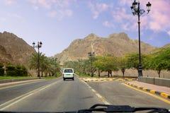 Muscat Oman, Al Bahri Road i Muscat royaltyfria foton