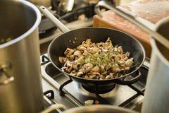 Muschrooms mit Thymian Lizenzfreies Stockfoto