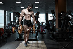 Muscular athletic bodybuilder fitness model Royalty Free Stock Image