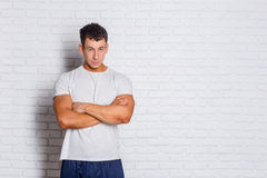 Muscular bodybuilder guy Royalty Free Stock Photos
