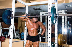 Muscular handsome bodybuilder Royalty Free Stock Images