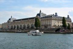 Musee d'Orsay, Fluss die Seine, Paris, Frankreich Stockbilder