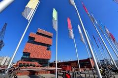 Museet aan de Stroom (MAS) som lokaliseras längs floden Scheldt, är 60m en högväxt byggnad som planläggs av Neutelings Riedijk ar Fotografering för Bildbyråer