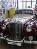 Museet av retro bilar i Moskvaregion av Ryssland Fotografering för Bildbyråer