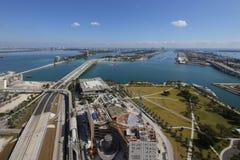 Museet för den flyg- sikten parkerar i stadens centrum Miami Arkivbilder