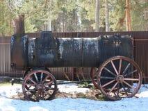 Museo al aire libre viejo en invierno, Rusia de Pereslavl de la locomotora de vapor foto de archivo