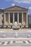 Museo de arte de Philadelphia con la plaza y la fuente en el estilo griego del renacimiento, Philadelphia, PA Imagen de archivo