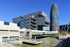 Museo de Barcelona del eje de Disseny y glorias de Torre imágenes de archivo libres de regalías