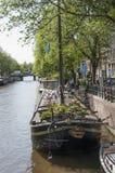 Museo de la casa flotante en el canal de Amsterdam Imagen de archivo