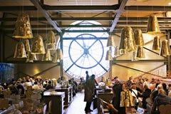 Museo de Orsay, Café Campana en el ` Orsay, París, FRANCIA de Musée d fotografía de archivo libre de regalías