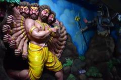 Museo della caverna di Murudeshwar, il Karnataka, India: 25,2018 augusti: Lord Shiva è comparso prima di Ravana fotografia stock