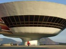 Museo di arte contemporaneo del ³ i di Oscar Niemeyerâs Niterà fotografia stock