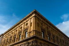 Museo di Charles V: un palazzo con tempo fotografie stock