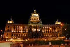 Museo Nazionale ceco alla notte Fotografie Stock