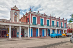Museo Provincial de Historia y exterior de la torre de reloj imagenes de archivo