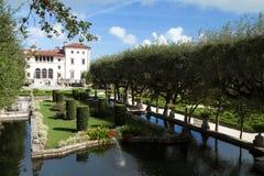 Museo y jardines un chalet del renacimiento-estilo y jardines de Vizcaya situados en Miami, la Florida, los E.E.U.U. Imagen de archivo libre de regalías