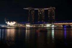 Museo y Marina Bay Sands de ArtScience en Singapur Fotografía de archivo libre de regalías