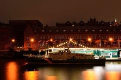 Museu da alfândega na cidade de Hamburgo em a noite Fotos de Stock Royalty Free