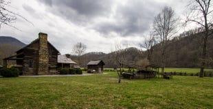 Museu da exploração agrícola da montanha nas montanhas fumarentos imagens de stock