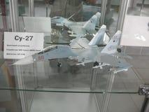 Museu da história da construção do motor de aviões Motores de aviões em suportes Motores de turbina e de motor a combustão intern Fotos de Stock