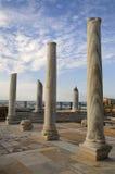Museu de Caesarea aberto abaixo pelo céu Imagem de Stock