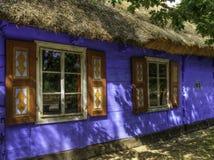 Museu de Maurzyce. Cottages.tif velho de madeira imagem de stock