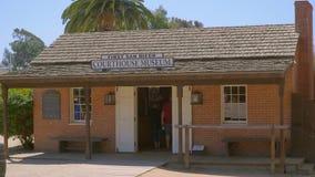 Museu do tribunal na cidade velha San Diego Historic State Park - SAN DIEGO/CALIFÓRNIA - 22 de abril de 2017 video estoque