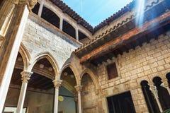 Museu Picasso& x27; s修道院在巴塞罗那-西班牙 库存照片