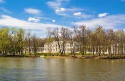 Museu-propriedade de Ostafyevo na mola imagens de stock royalty free